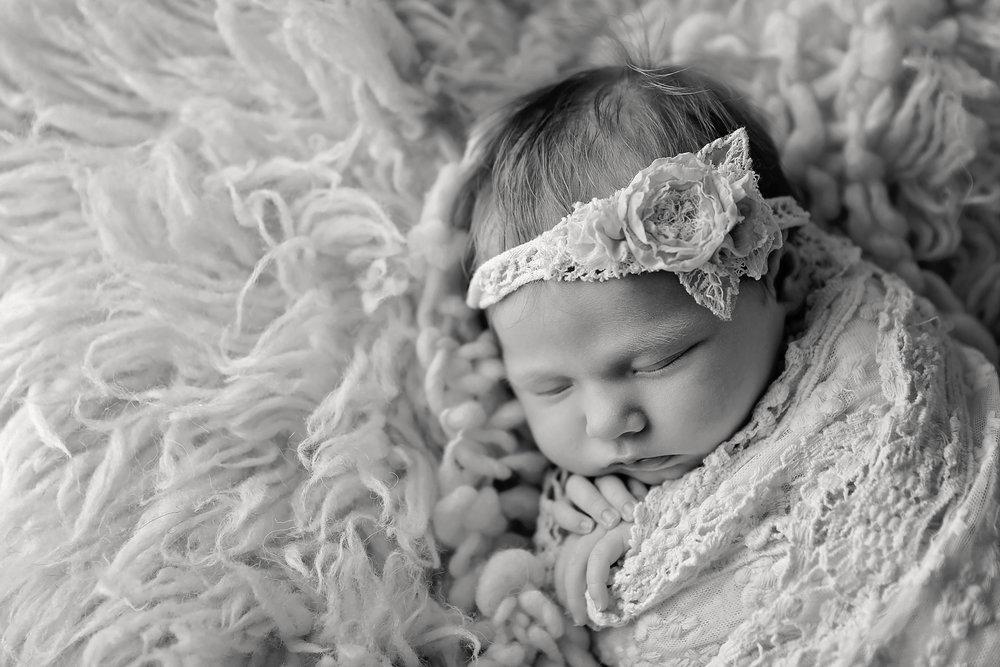 HazelNewbornPhotos-18EDITBlack&White.jpg