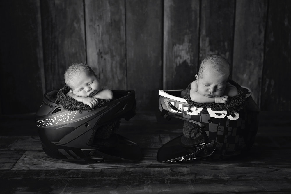 Arlo&Ezra-7days-39Black&White.jpg