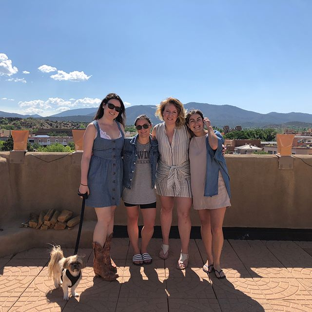 Kicking off #southwestshore in Santa Fe this week! Big shout out to our amazing People Ops team for bringing together over 100 teammates around the world to this amazing town for an entire week - including an amazing #rooftop spot for our daily 10am standup!  #lovewhatyoudo #workfromanywhere #expensilife #werehiring