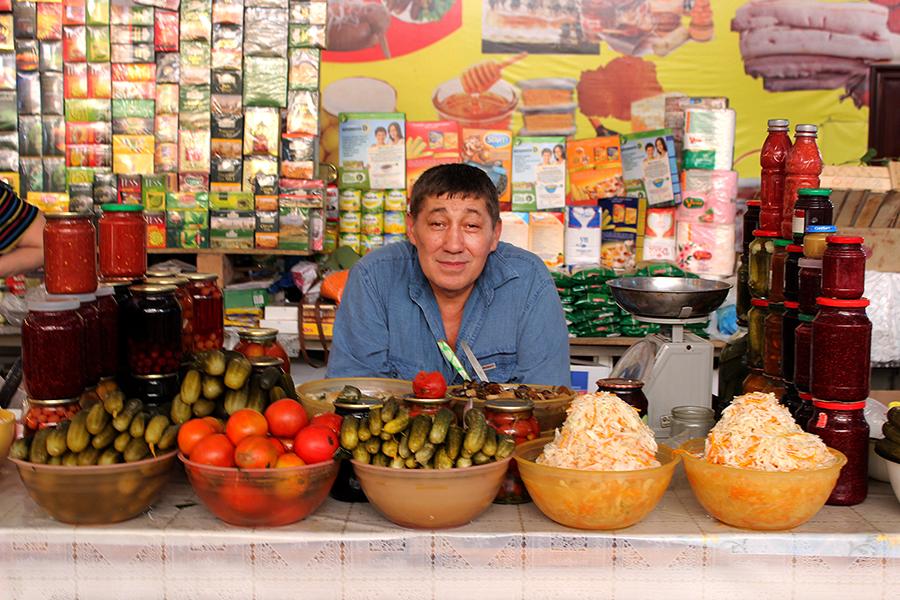 pickle-seller-bishkek-bazaar