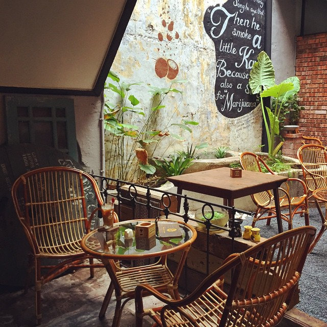 The light-filled inner courtyard at Kaya-Kaya, Malacca is calling your name...