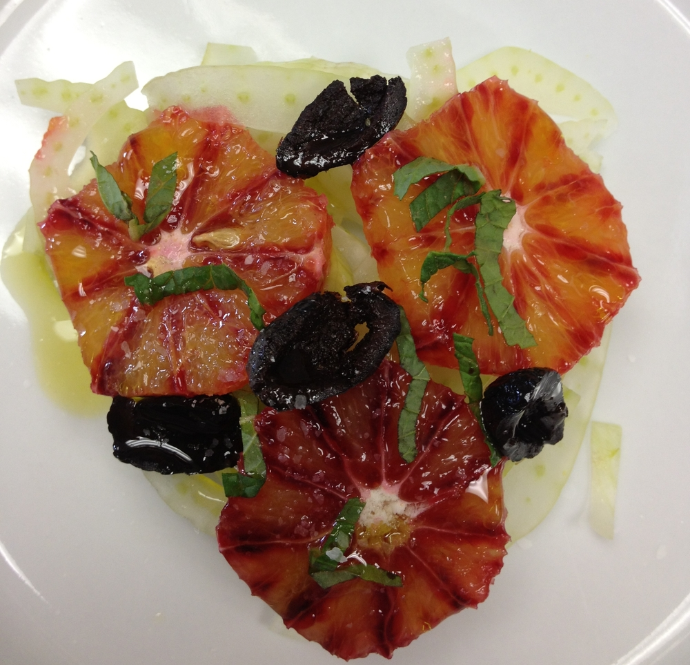 fennel salad with blood orange, black olives and mint
