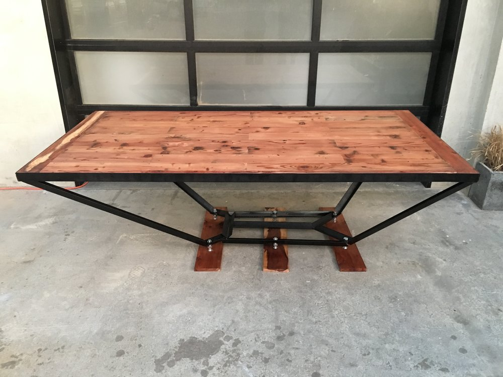 Incroyable Reclaimed Redwood + Steel Dining Table