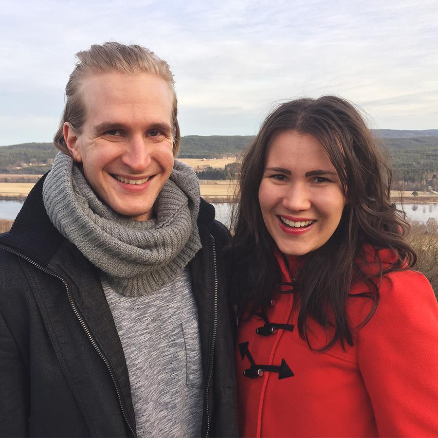 Juuso ja Maija Mörsky ovat olleet mukana jokaisessa aiemmassa kesäkonferenssissa ja johtajina vuodesta 2016. He ovat saaneet nähdä, miten hyvää hedelmää konferenssi kantaa heidän omissa ja muiden elämissä. Tämä on syy, miksi he haluavat olla mukana myös tänä vuonna palvelemassa Suomen nuoria aikuisia. Mörskyt ovat 28-vuotiaita ja heidän perheeseensä kuuluu myös kaksi tytärtä.