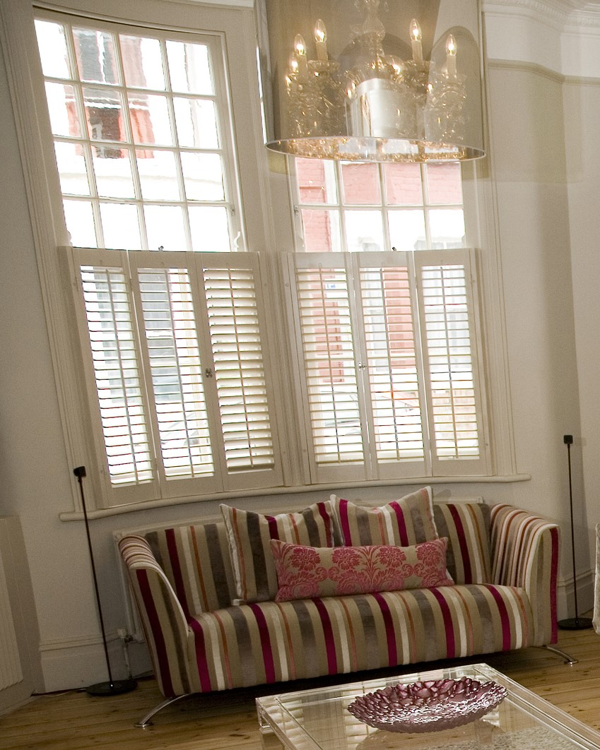 Living room cafe style shutters