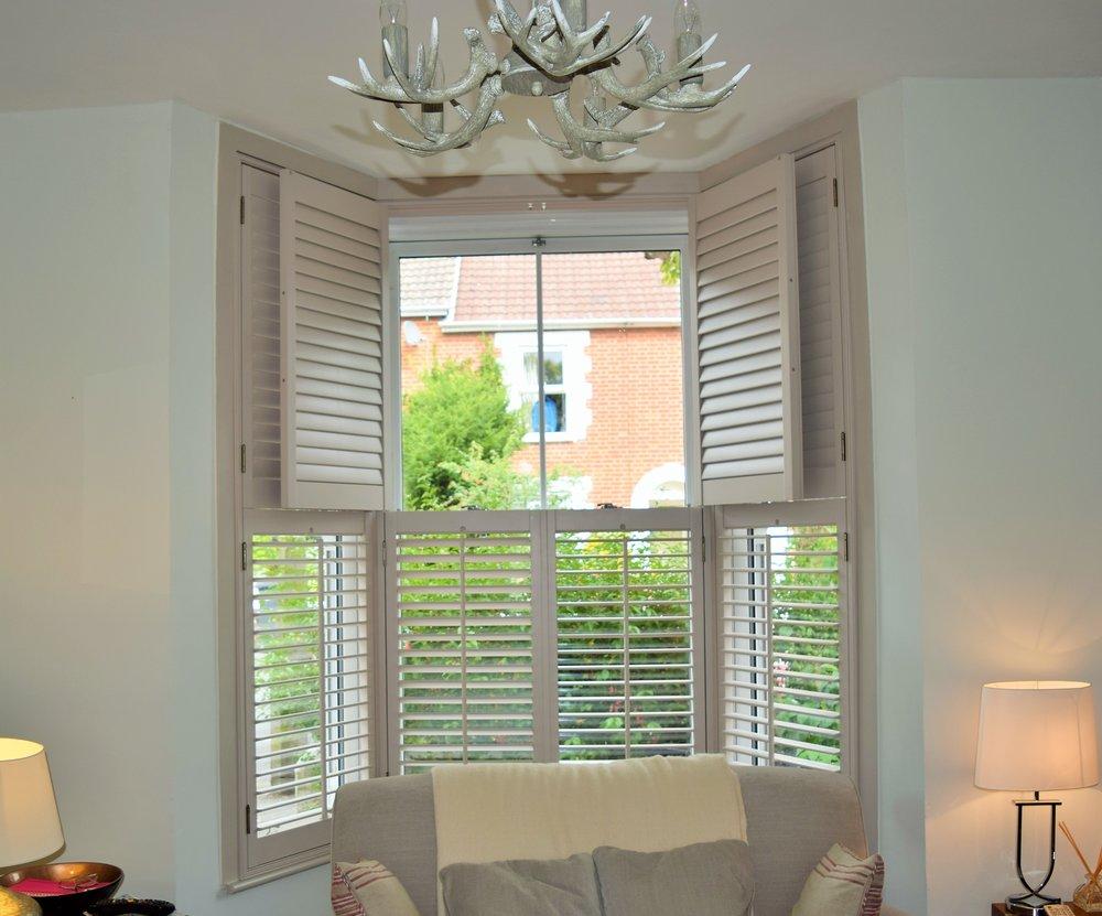 Home shutter gallery tier on tier shutters tier on tier shutters - Bay Window Tier On Tier Plantation Shutters Salisbury Jpg