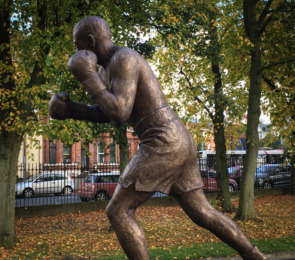 Mark Richards sculptor boxer sculpture, Belfast