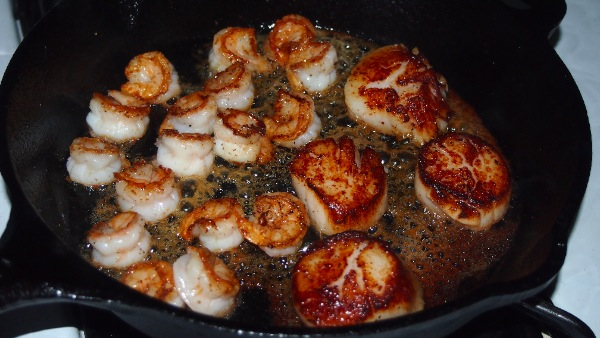 maple glazed scallops