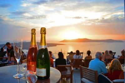 The most amazing sunset of the world from Palia Kameni Bar…