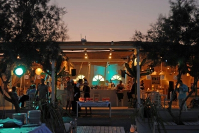 Wet Stories is one of the best beach bars of the island
