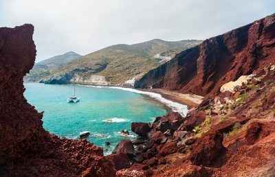 …but there is also incredible volcanic landscapes across the rest of the island