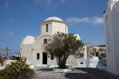 "Church ""Aghia Triada"" in Pyrgos Santorini. Photo from santorini.gr"