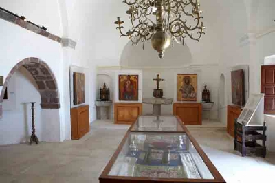 "Ecclesiastical museum inside the church of ""Aghia Triada"" in Pyrgos. Photo from santorini.gr"