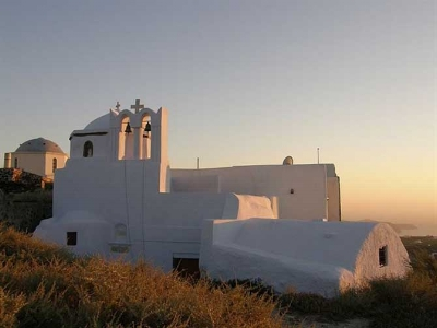 """Theotokaki"" Church in Pyrgos, Santorini. Photo from arttravel"