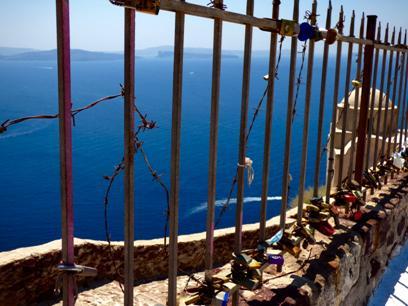 SantoriniOiaCastle.jpg