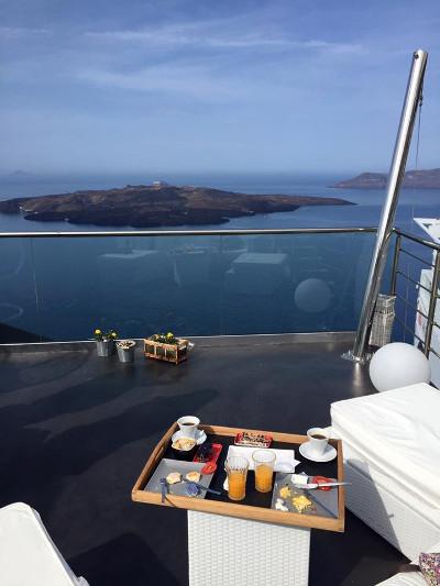 1.SantoriniHotel.jpg