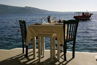 Ammoudi Bay, Santorini: Not a bad place to enjoy your dinner! Picture from  @SantoriniPlus