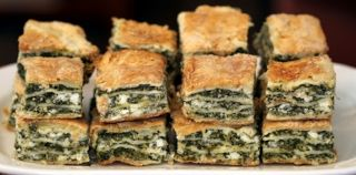"""Yummy """"Spanakopita"""". You can get one from the bakery """"To fourni"""" in Oia, Santorini. Picture from Festibrate"""