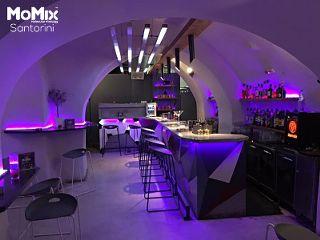 Momix cocktail bar unreal interior