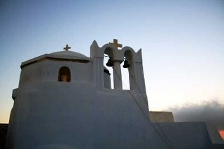 """Theotokaki"" Church in Pyrgos, Santorini.Photo from  wondergreece"