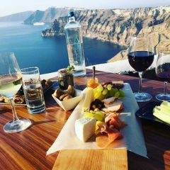 The greek meze nibbles at Venetsanos Winery are super yummy!