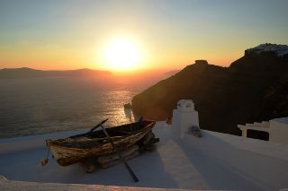 SantoriniBudget_320x213.jpg