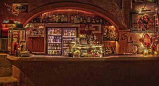 The bar in Cinekamari. Photo credits: Open Air Cinema Santorini