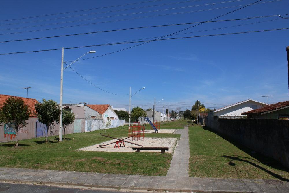 Criação do eixo de lazer entre as ruas Euclides Taborda Ribas e Nádia Leuch Rymanski