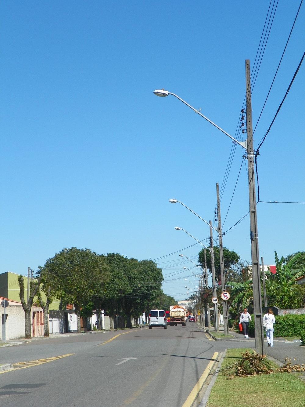 Implantação de hastes longas e colocação de lâmpadas de maior potência na Rua Eng. Benedito Mário da Silva - 2008