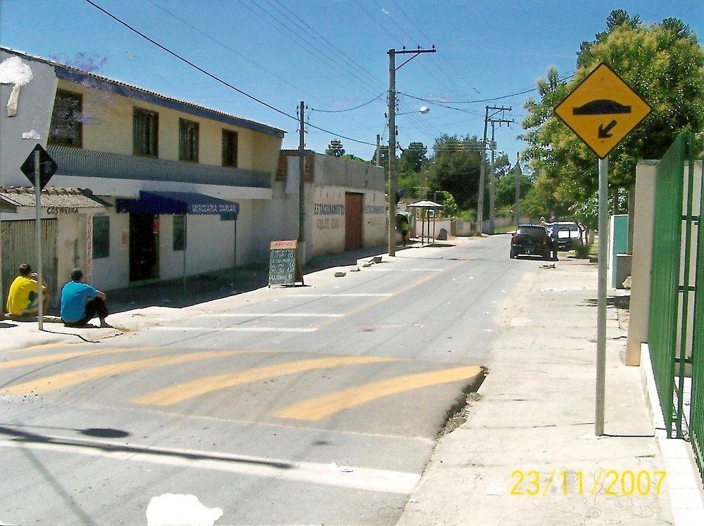 Lombada na Rua Santa Lúcia e outras três na região