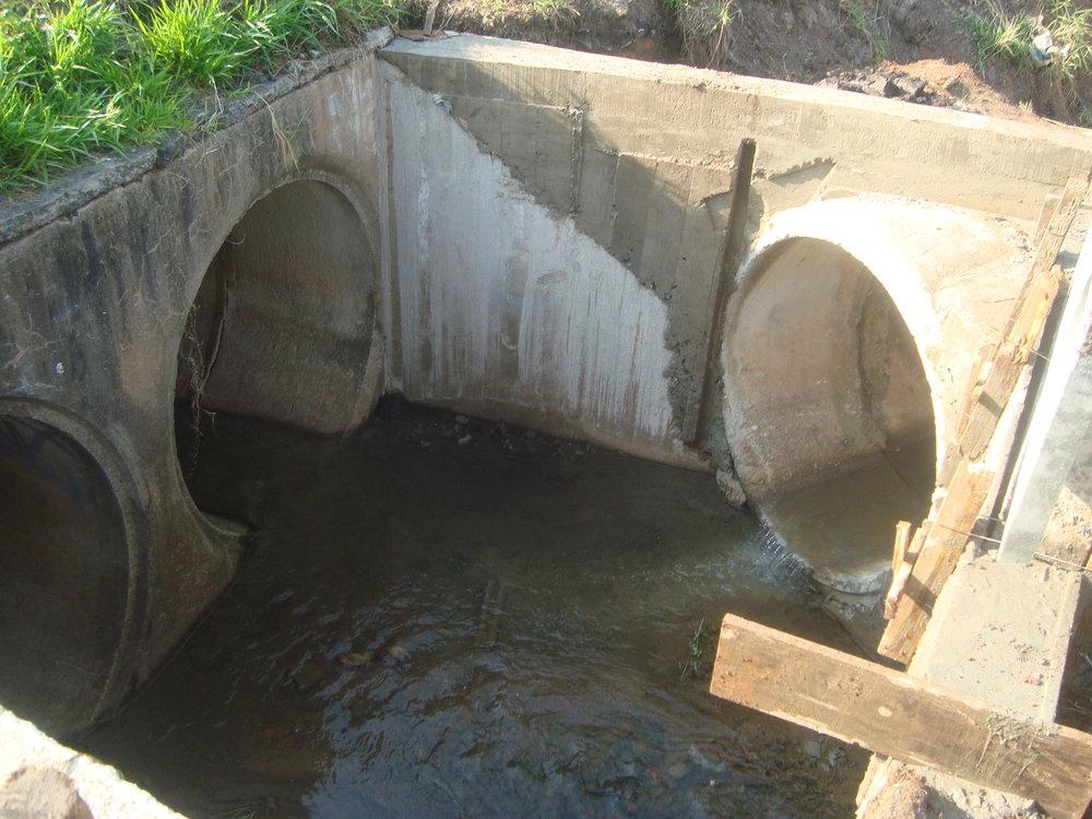 Melhoria no sistema de drenagem no córrego do Conjunto Mercúrio próximo à linha férrea