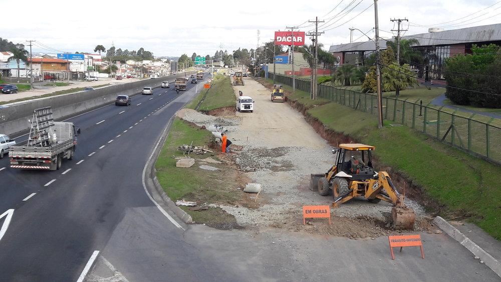 Pavimentação da Marginal da BR 277 - EM EXECUÇÃO