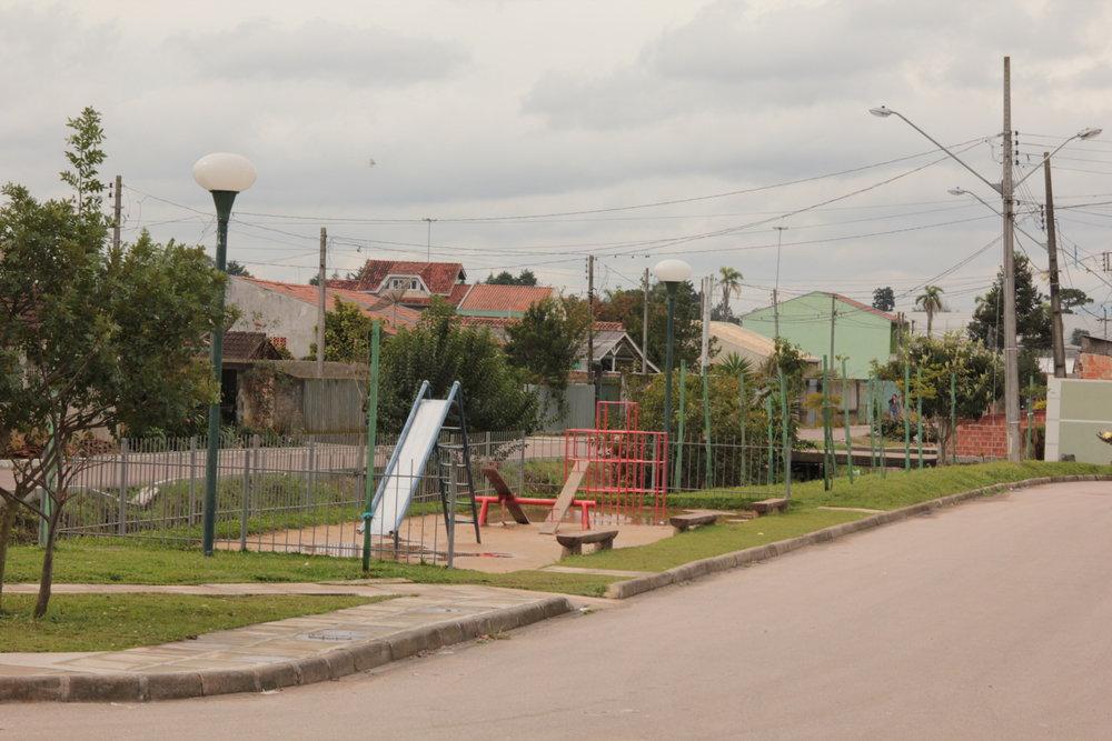 Playground na Rua Dr. João Luiz Bettega com a Rua Leonardo Novicki