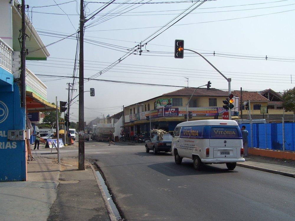 Semáforo na Rua Rutildo Pulido com a Rua João Tobias de Paiva Netto