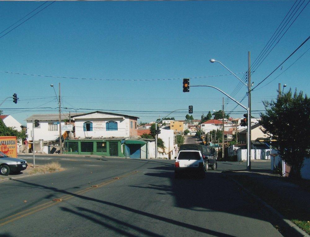 Semáforo na Rua Sebastião Marcos Luiz com a Rua Luiz França
