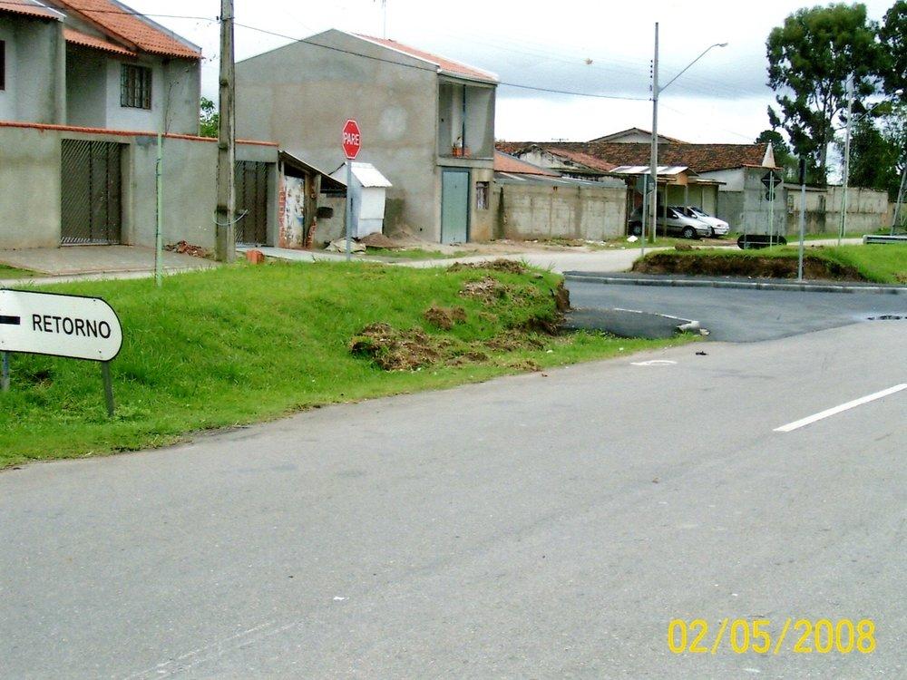 Implantação de retornos na Rua Leonardo Novicki