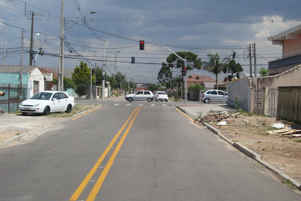 Semáforo na Rua Tunísia com a Rua Amador Bueno