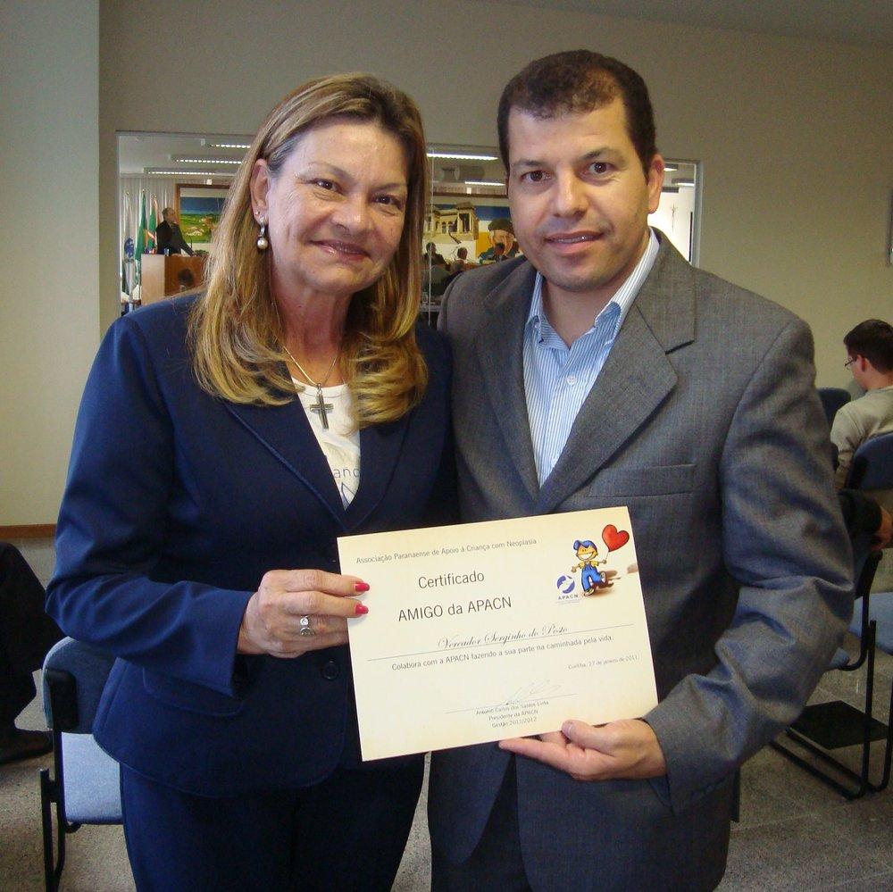 Serginho recebeu o certificado amigo da APACN