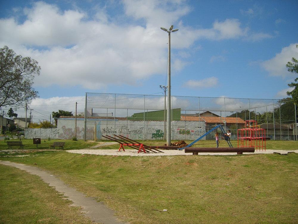Super poste na Praça Dona Minga, Fanny