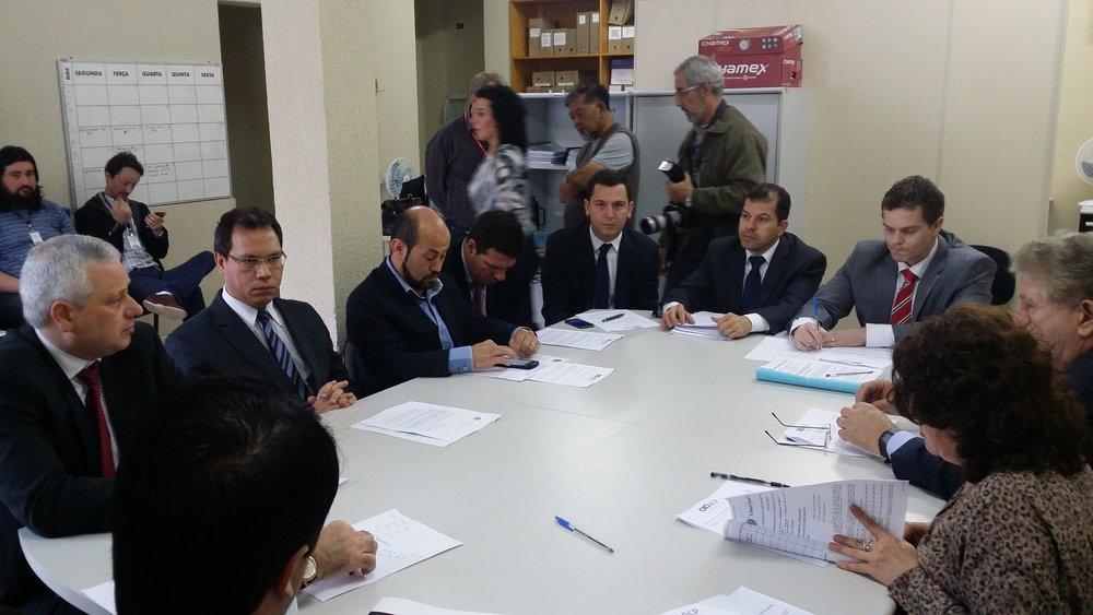 Vereador presidindo a Comissão de Economia