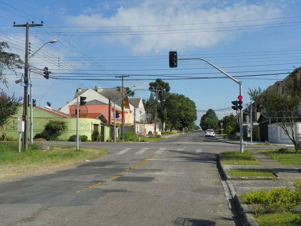 Semáforo na Rua Dr. Carlos Bruno Breithaupt com Rua Bronislau O. Roguski - EMENDA
