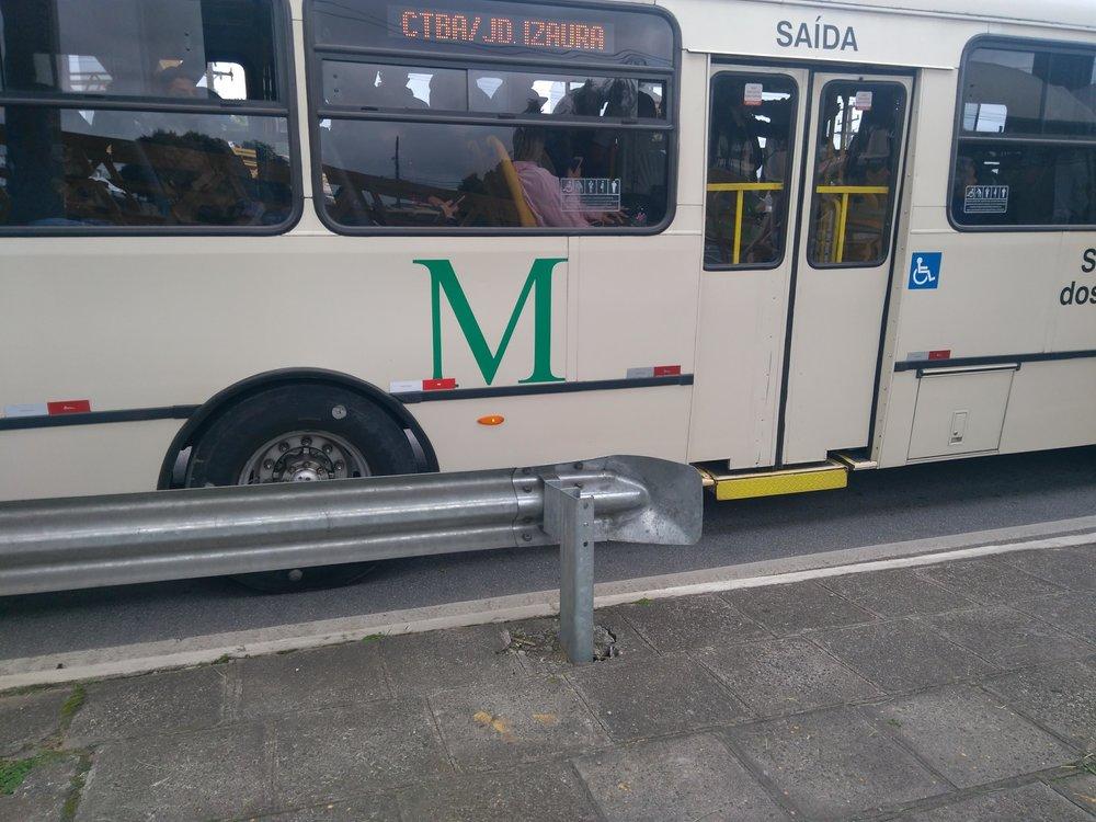 Ponto de onibus BR 277 mudar de local (2).jpg