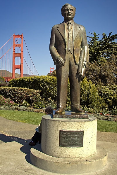Joseph Strauss (chief designer of the Golden Gate Bridge) Memorial, San Francisco, California, 22 March 2010. Image source:  Joseph Strauss Memorial.jpg  by  Steven Pavlov  is licensed under  CC BY 3.0