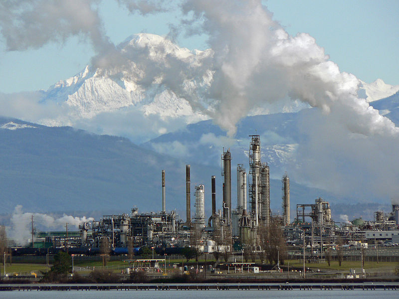 Anacortes Refinery (Tesoro Corporation), on the north end of March Point [state of Washington]; Mount Baker (10,781 feet, 3286 meters). Image source:   Anacortes Refinery 31904.JPG  by  Walter Siegmund  is licensed under  CC BY 3.0