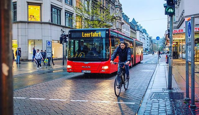 Leerfahrt. 📸: Fujifilm X100F • • • • • #fujifilm #x100f #shotwithlove #justgoshoot #ig_masterpiece #worldshotz #icatching #shoot2kill #filmmaker #master_shots #illgramers #way2ill #exploretocreate #photographyeveryday #superhubs #highsnobriety #heatercentral #main_vision #streetphotoreview #streetphotography #streetstyle #travelphotography #germany #wiesbaden #leerfahrt