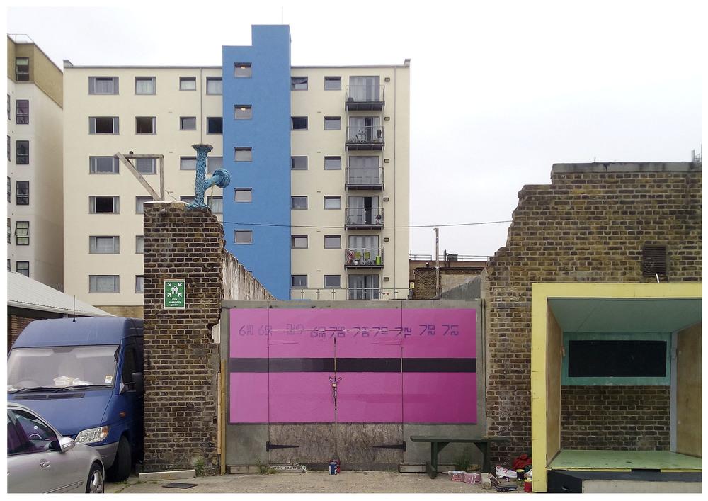 Metrobus vs pink rectangle composition