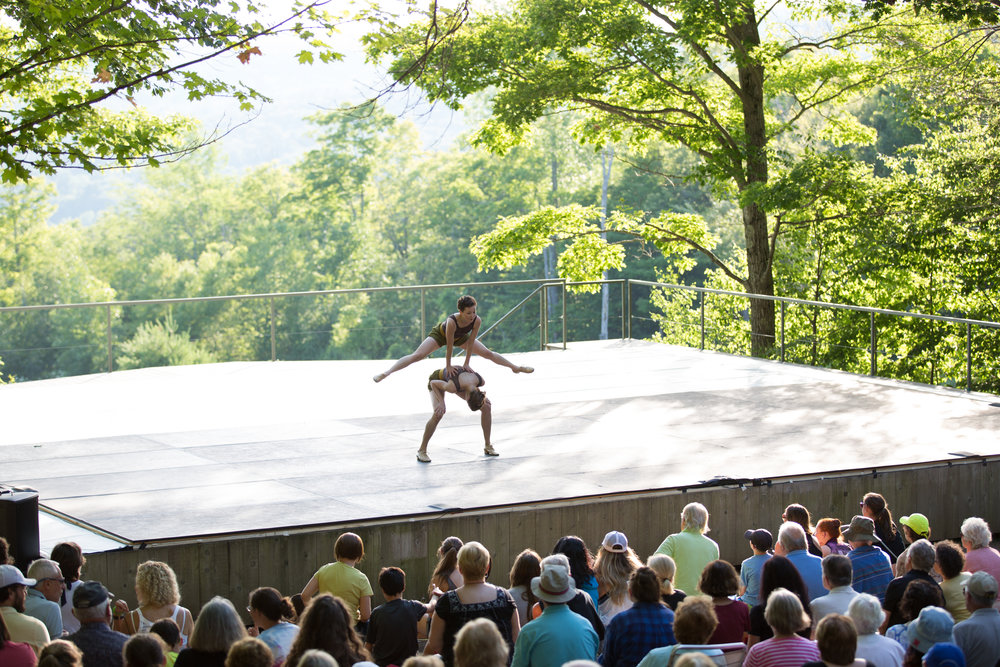 Lindsey Jones and Macy Sullivan in Small & Tall. Photo by Hayim Heron courtesy of Jacob's Pillow Dance.