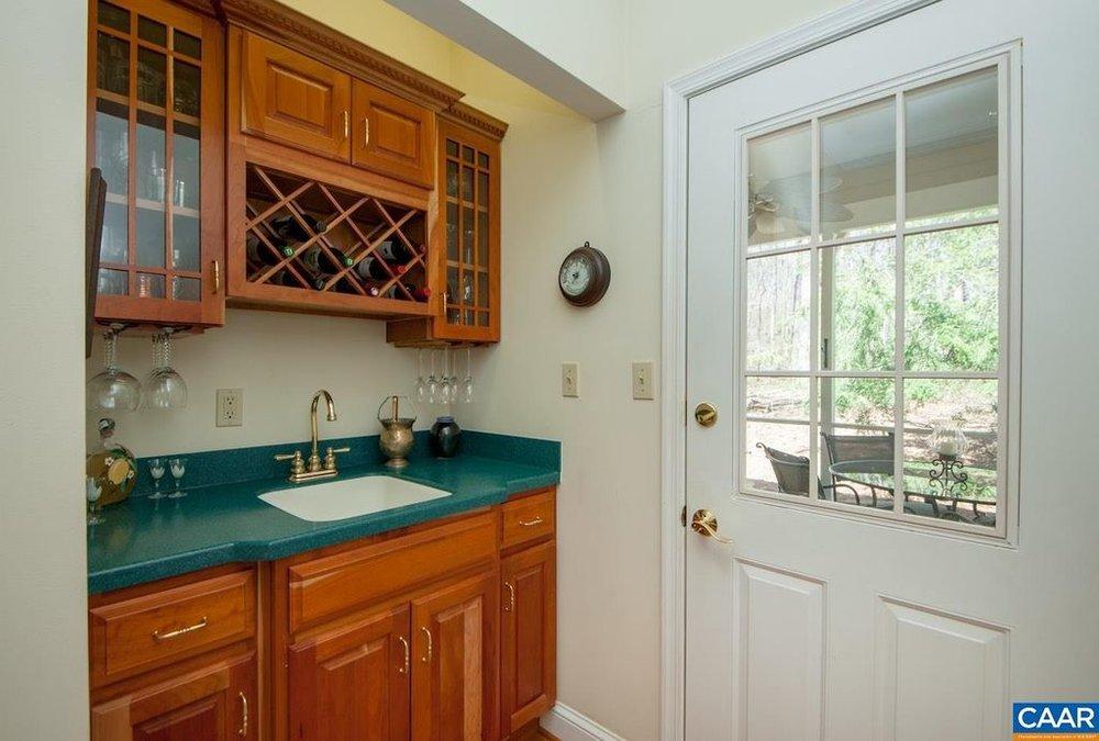 kitchen wet bar.jpg