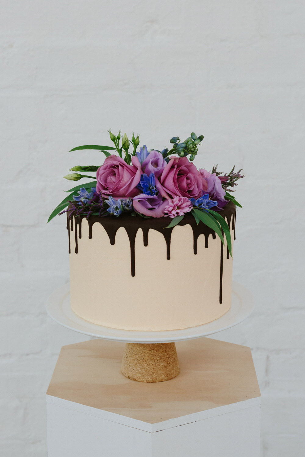 glasgow-food-photography-cake-big-bear-bakery-flower-crown-2