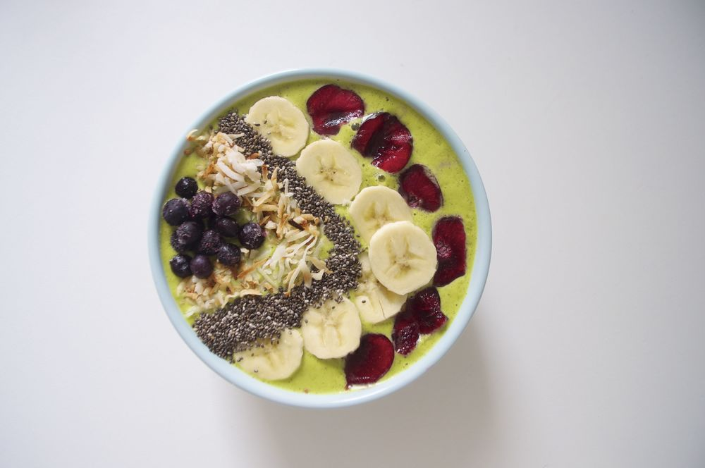 peanut-butter-smoothie-bowl-fried-parsley
